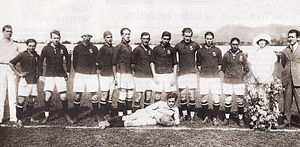Cruzeiro Esporte Clube - A Cruzeiro squad before playing a game v. Flamengo in 1923.