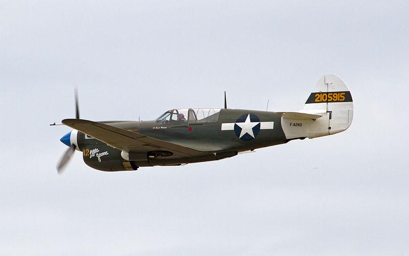 From the box - Curtiss P-40N Warhawk [Eduard 1/48] 800px-Curtiss_P-40N_Kittyhawk_F-AZKU_42-105915_4_%285923308239%29