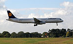 D-AISK Lufthansa Airbus A321-200 (22153762152).jpg