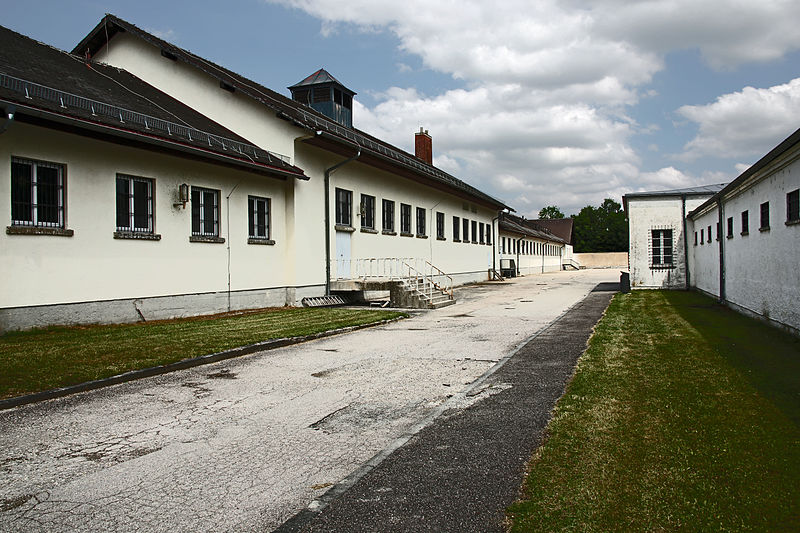File:Dachau Prison (14593748229).jpg