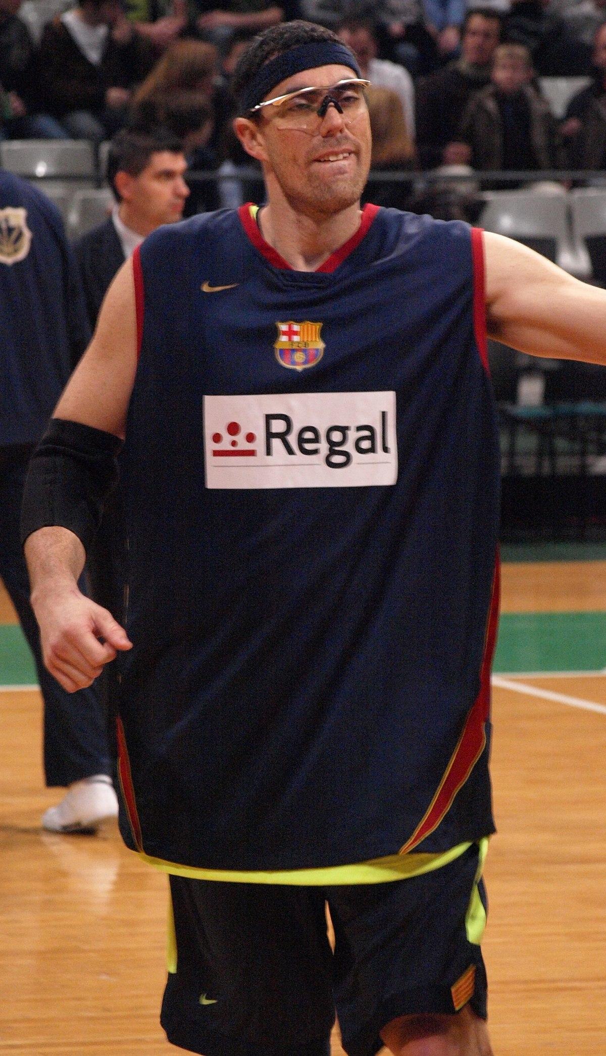 Daniel Santiago - Wikipedia