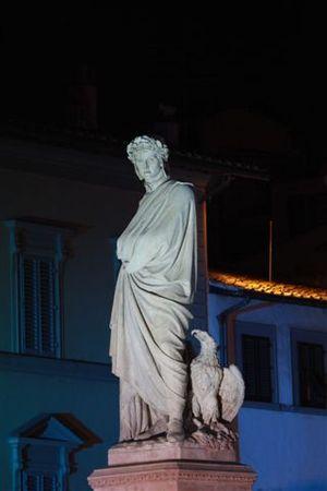 Piazza Santa Croce - Pazzi's sculpture of Dante.