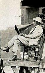 Societe megaphone dating