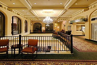 Delta Bessborough - The interior of the hotel features ceiling moulds, and plaster relifs.