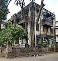 Dilapilated building in Hindu Colony neighborhood of Mumbai, Maharashtra in India.jpg