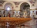 Domen i Mosta, interiör, suddig.jpg
