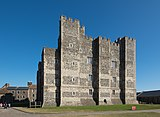 Dover Castle - Henry II's Great Tower.jpg