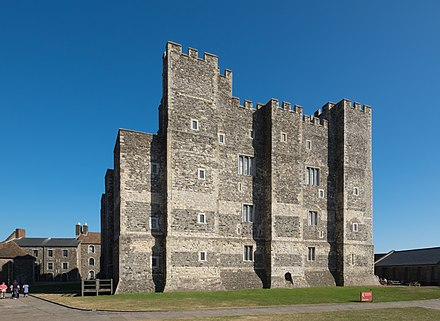 Henry II's Great Tower (the keep) Dover Castle - Henry II's Great Tower.jpg