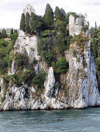 Duino-Aurisina - Image: Duino dama bianca
