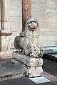 Duomo di trento, protiro gotico con leone stiloforo.jpg