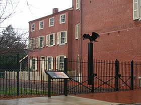 Le Edgar Allan Poe National Historic Site, vu du N. 7th Street