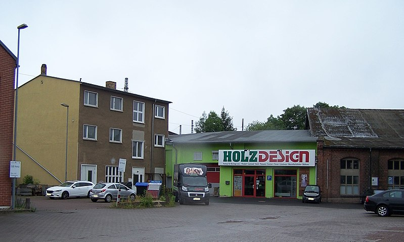 File:ESA BhfEisenach Nebengebäude 01.jpg