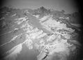 ETH-BIB-Finsteraarhorn mit zugeschneitem Oberaarsee im Vordergrund, von Osten gesehen-Tschadseeflug 1930-31-LBS MH02-08-0179.tif