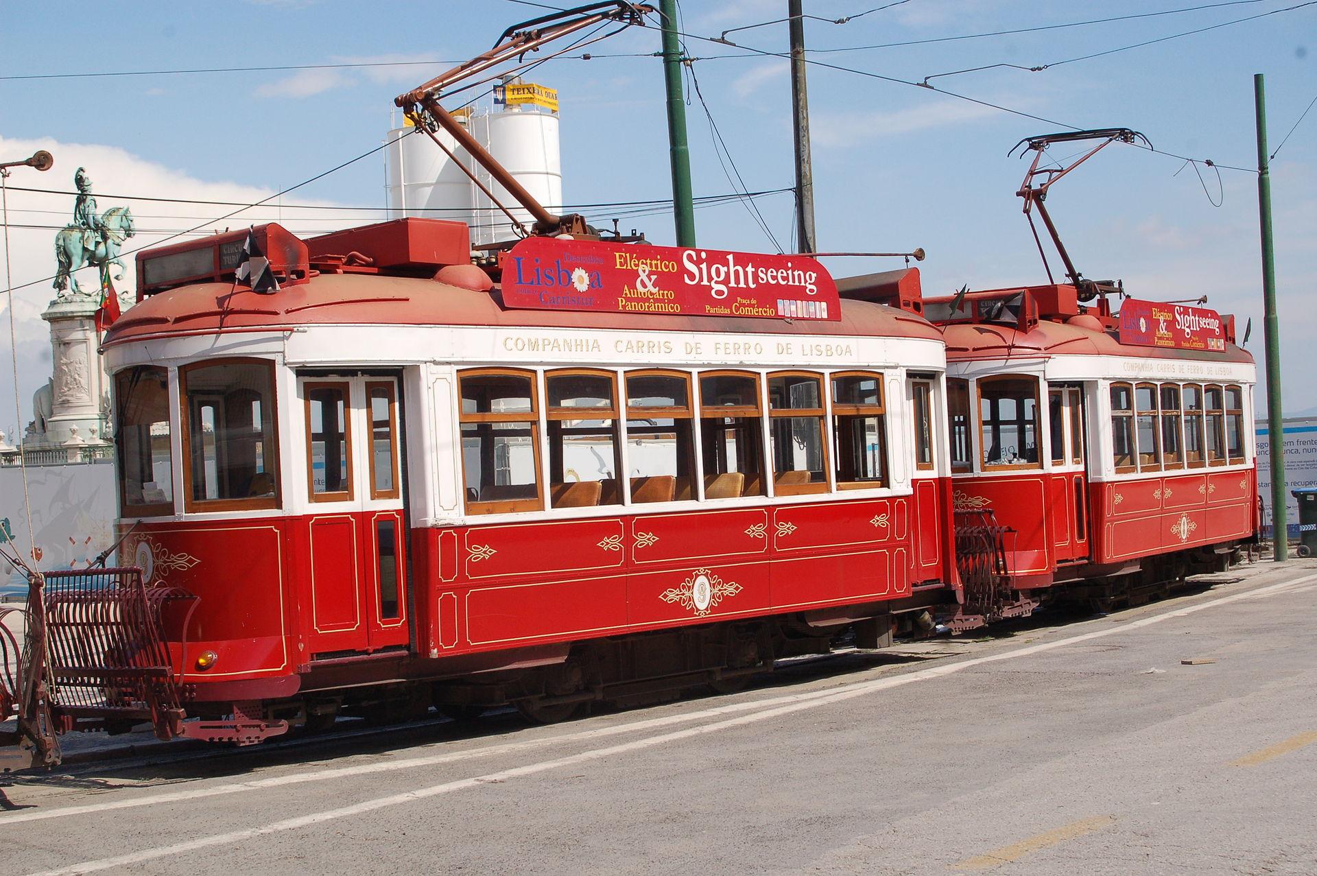 STREET VIEW : les tramways en action - Page 3 1920px-El%C3%A9ctricos_de_Lisboa1