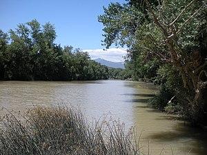 El rio Ebro cerca de Laserna.JPG