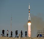 Expedition 57 Launch (NHQ201810110014).jpg