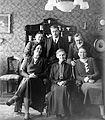 Family, tableau Fortepan 5389.jpg