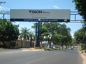 Fernando de la Mora, Paraguay - Welcome sign in Fernando de la Mora.