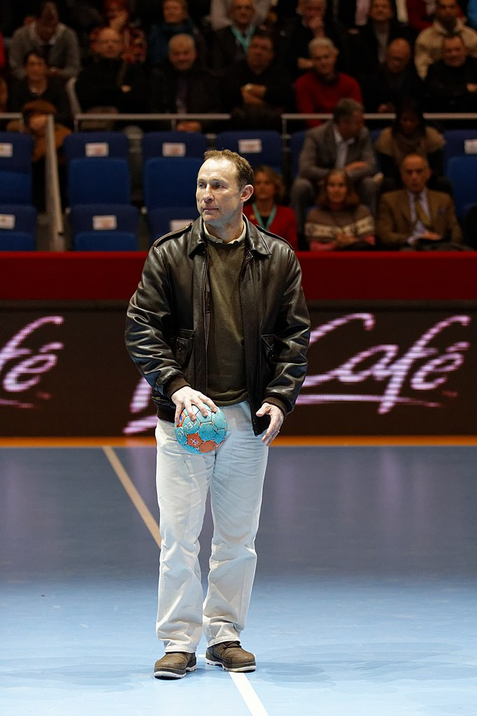 File finale de la coupe de ligue f minine de handball 2013 jean pierre papin - Coupe de la ligue 2013 14 ...