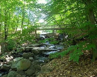 Flat Rock Brook Nature Center - Image: Flat Rock Brook dam jeh