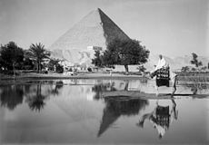 Flickr - …trialsanderrors - Matson Photo Service, The Great Pyramid at Gizeh, ca. 1937.jpg