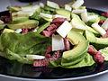 Flickr - cyclonebill - Salat med oksekød, gedeost og avocado.jpg