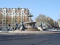 Fontaine du Château d'eau (Gabriel Davioud), 2010-04-18 72.jpg