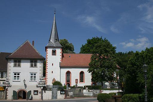 Fraenkisch Crumbach Kirche 01