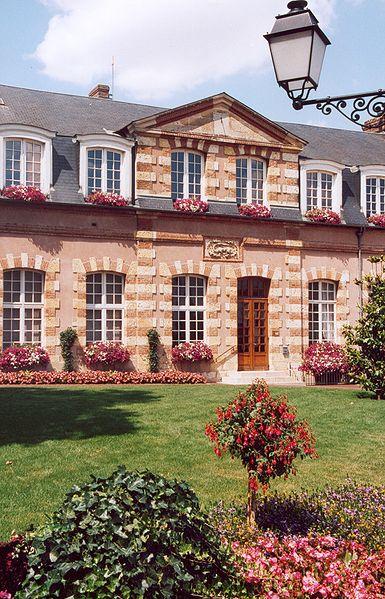 Fichier:France Loiret Bellegarde 01.jpg