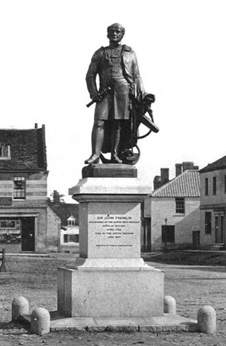 Spilsby - Statue of John Franklin in Spilsby market place.