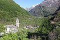 Frasco im Valle Verzasca.jpg