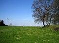 Fressenneville terre-plein de la motte (vue sur éoliennes) 3.jpg