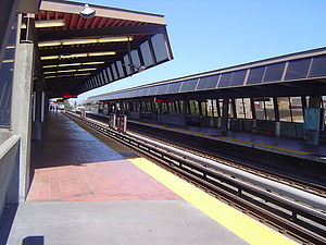 Fruitvale station - Fruitvale BART Station Southbound/Eastbound Platform