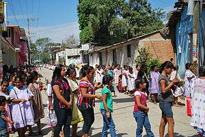 Xochistlahuaca - Amuzgo women in town