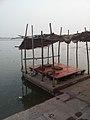 Ganges, Varanasi (8746965957).jpg