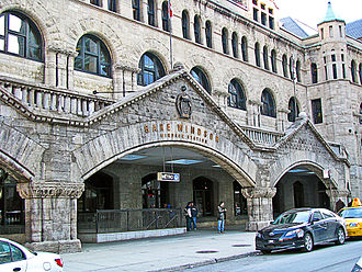 Windsor Station (Montreal) - Entrance to Windsor Station in 2008