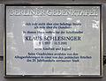 Gedenktafel Dunckerstr 4 (Prenz) Klaus Schlesinger.jpg