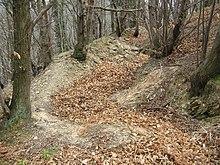 Resti di postazioni difensive risalenti alla guerra del 1746-1747 sulle alture di Bolzaneto