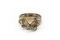 Gjuten ring av förgyllt silver med pyramidformig förhöjning - Skoklosters slott - 92281.tif