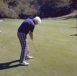 Golf putt.jpg
