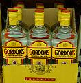 Gordons London Dry Gin im Karton.jpg