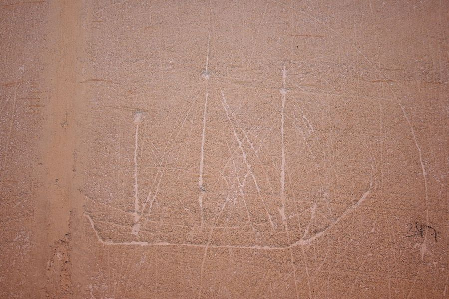 Graffiti marin dans l'église de Quettehou
