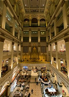 Grand Court of Macy's Center City.jpg