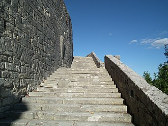 Keep of Pons - The grand staircase or Grand Escalier of Pons connecting the lower city to the château terrace