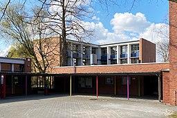 Grundschule Horn am Rhiemsweg in Hamburg, Kreuzbau
