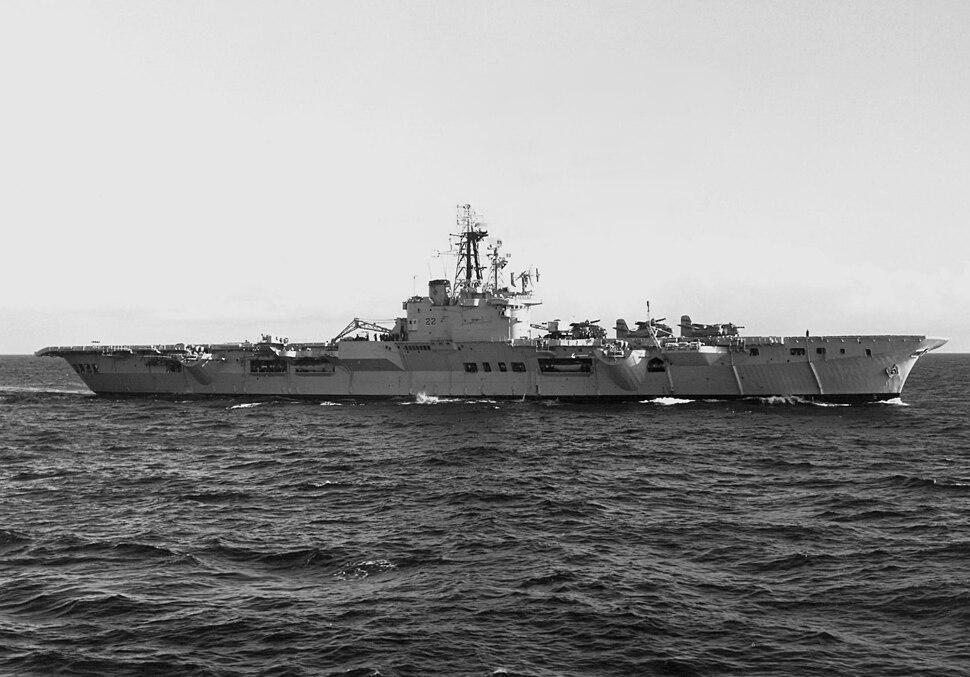HMCS Bonaventure (CVL 22) underway 1961.jpeg
