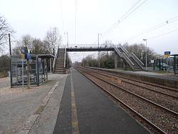Halte ferroviaire d'Etriché-Châteauneuf.JPG