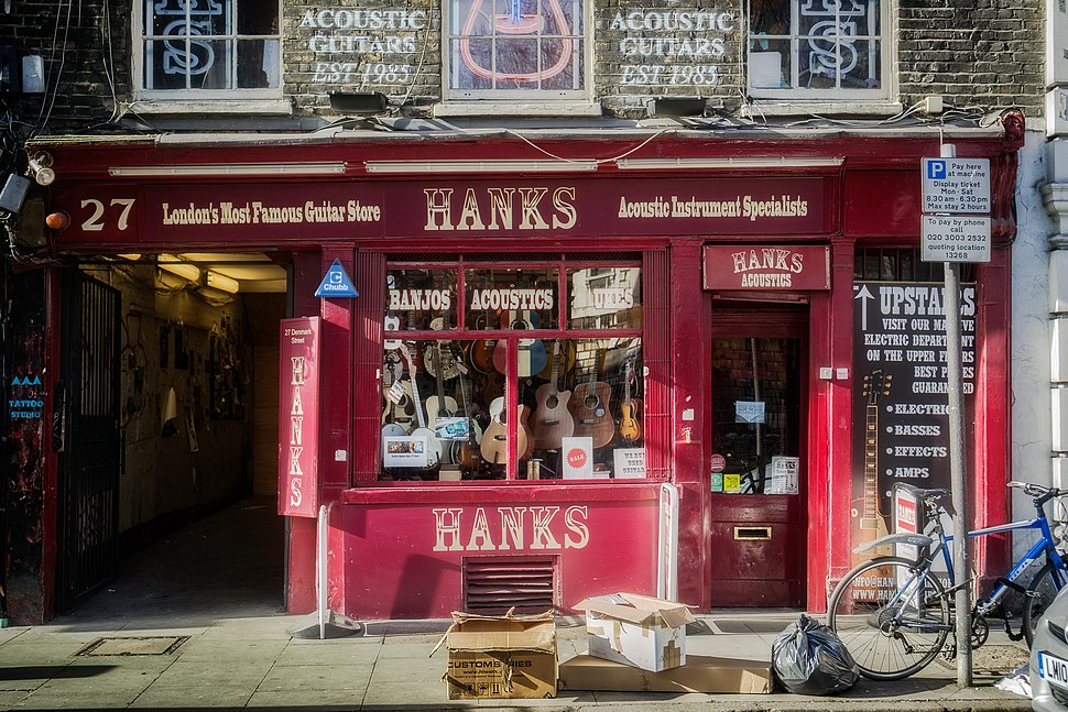 Hanks Guitar Shop, 27 Denmark Street WC2 - 2015-03-10 14.55.33 (by Garry Knight)