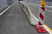 Heckenstaller-trog jersey barriers IMG 1010b.JPG