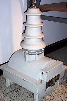 Высоковольтный трансформатор напряжения